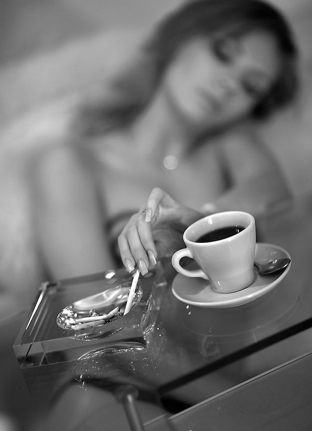 Открытки с кофе и девушкой