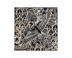 Con las tarjetas especiales de nuestra colección Art Nouveau queremos rendir homenaje a los artistas artesanos del siglo XIX que, con su obra, buscaban impregnar de belleza los objetos de uso cotidiano. Para recrear y comunicar ese mundo delicado y preciosista empleamos la serigrafía con acabados especiales (una técnica artística y artesanal en sí misma).  Nuestras