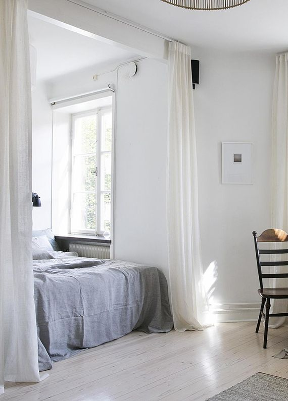 Curtains as bedroom divider. Best 25  Bedroom divider ideas on Pinterest   Studio apartment