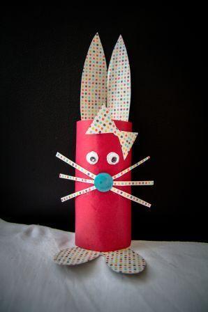 J'ai fait un lapin avec un rouleau de papier toilette, pour ma petite fille, elle l'adore ! Rabbit with toilet paper roll
