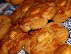 """Me han encantado estas galletas, quedan crujientes y con un sabor riquísimo, la receta es del libro """"Escuela de cocina thermomix reposte..."""
