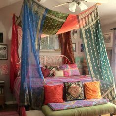 Eeeeeekkkk!!! How much do you LOVE this gypsy bed canopy from Babylon Sisters??!! I'm en enamorado! In the ETSY shop now!!#babylonsisters #gypsycanopies#vintagehome#saris#globaldecor#design #lovehome #bohemian