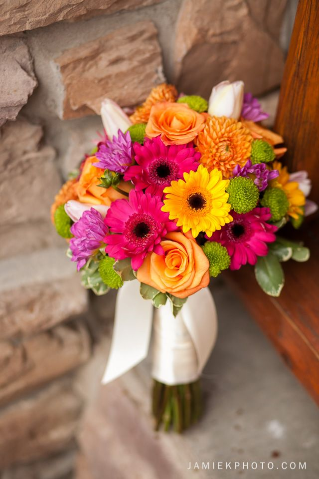 Gerber Daisy Bouquet | Lincoln Nebraska Wedding Photographers | www.jamiekphoto.com
