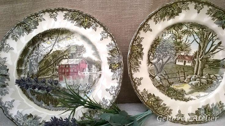 """Pareja de platos vintage de la conocida firma Johnson Bros de su colección """"The Friendly Village"""" Ideales para decoración, aportando un elegante estilo vintage.  Antiguos platos de porcelana,..."""