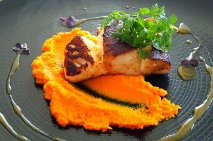 Cabillaud tandoori, mousseline de carottes, beurre d'orange