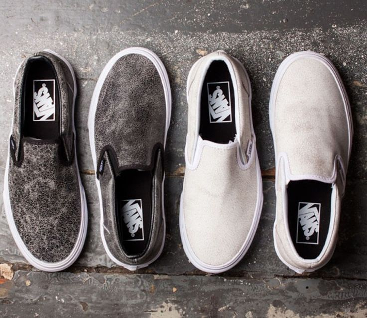 Trendy Women's Sneakers :   Vans Slip-On Cracked Leather Pack (Jesien 2015)    - #Women'sshoes