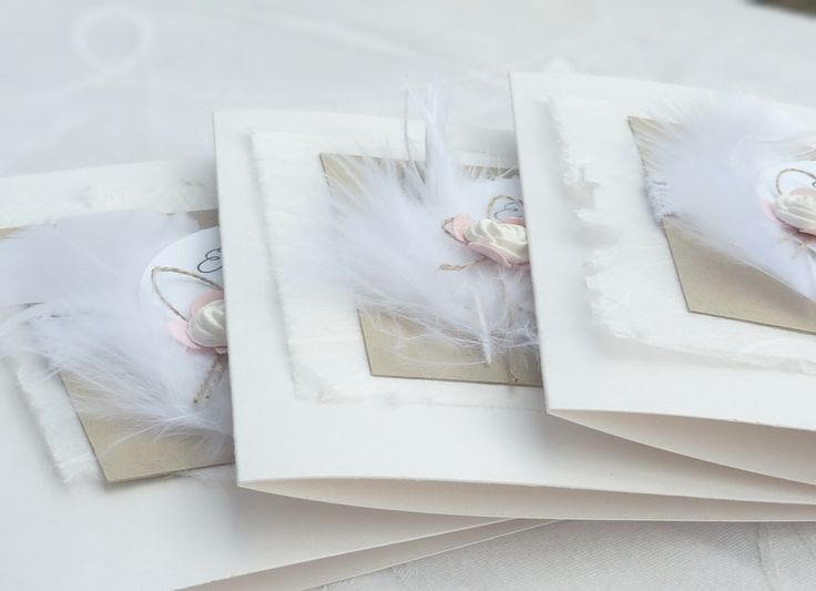romantische Einladung zur Taufe oder Hochzeit, Seidenpapier, Federn, Rose, Farbkarton in Seidenglanzoptik,