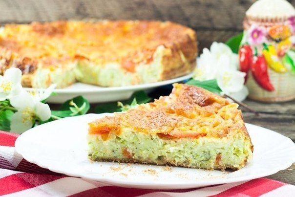 Пирог из кабачков<br>#еда #рецепты #кулинария<br><br>Ингредиенты:<br><br>Кабачки — 2 шт.<br>Мука пшеничная — 3 стак.<br>Яйцо куриное — 3 шт.<br>Помидор — 1 шт.<br>Сыр твердый — 100 г<br>Соль — по вкусу<br>Зелень (петрушка, укроп) — по вкусу<br><br>Приготовление:<br><br>1. Помоем кабачки, помидор..