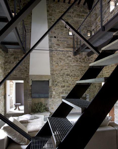 Torre di Moravola by Christopher Chong Treppen Stairs Escaleras repinned by www.smg-treppen.de #smgtreppen
