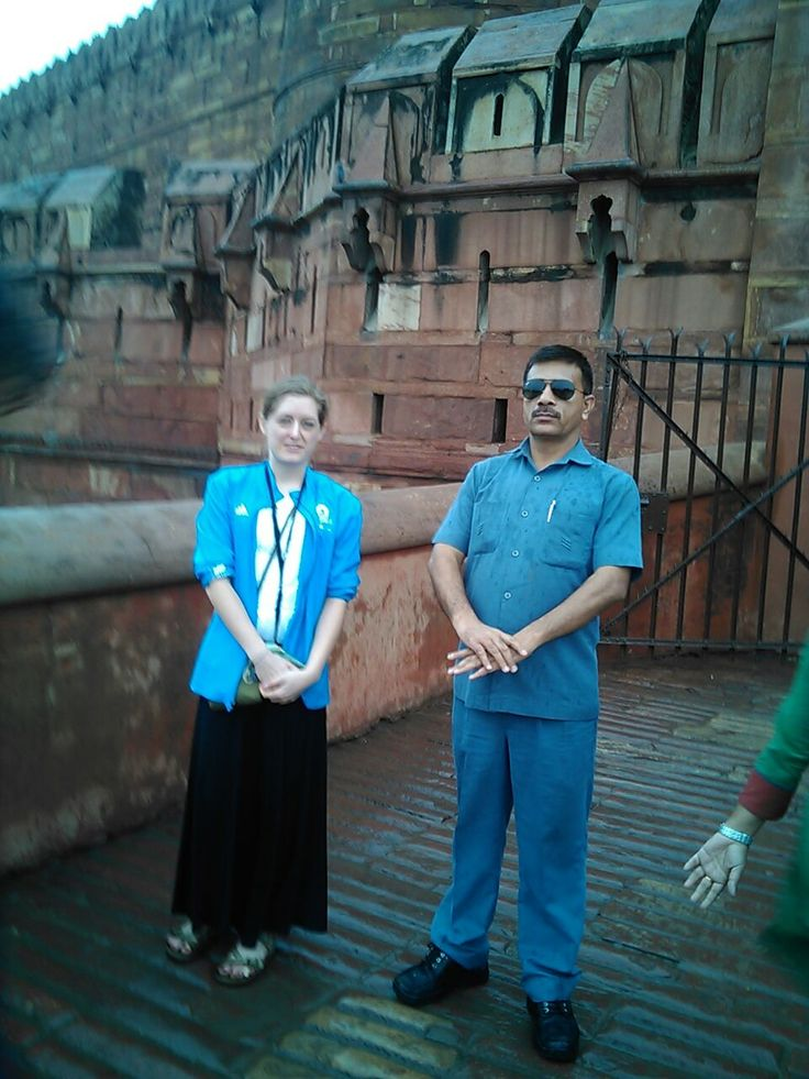 Solo Female traveler - American in India , Bodyguard providing security during her stay in India - also during trip to Agra- Taj Mahal