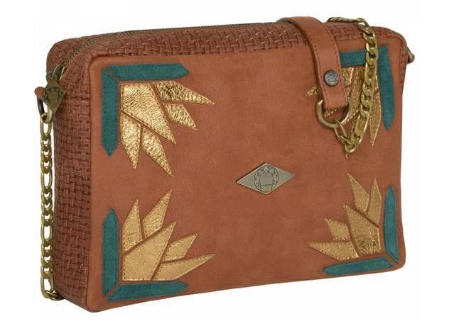 Bruine handtas met goudkleurig en groen patchwork van Mohekann - www.legoutdescouleurs.be