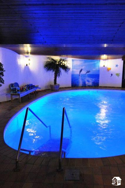 Familienfreundliches großes Haus mit eigenem Schwimmbad für 12 Personen in Hessen