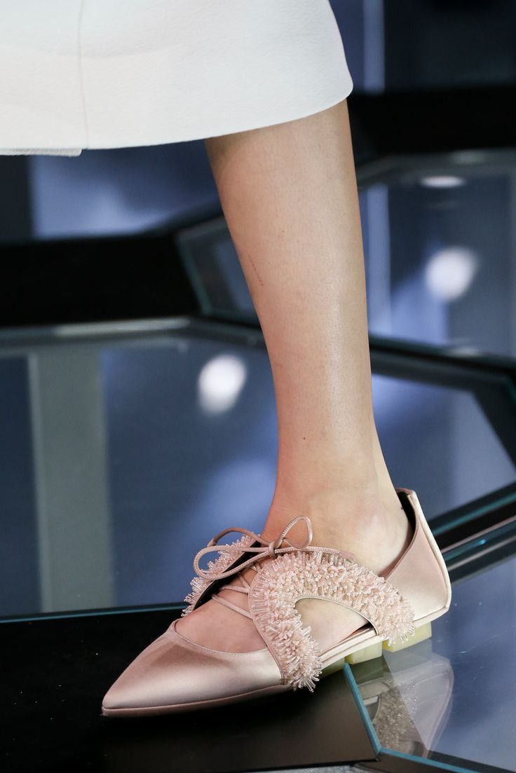 Spring 2015 Ready-to-Wear - Balenciaga  Since I'm now wearing flats.. I'm in search for stylish fab flats.. my first pick!