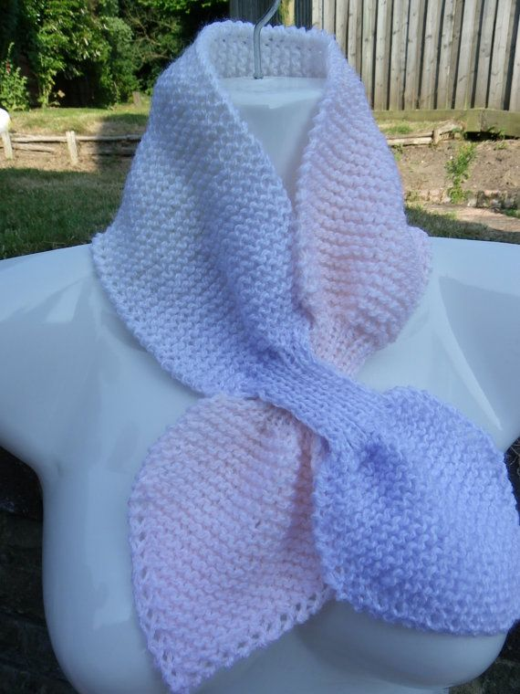Hand knitted vintage retro style acsot keyhole bow-tie scarf