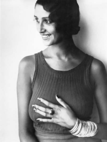 Renee Perle was a Romanian model and first Muse of French photographer Jacques Henri Lartigue circa 1930