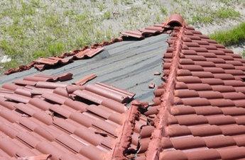 "#Roofing & #HomeImprovement Blog >> ""Emergency #RoofRepair Services."" Read full article: http://HomeRepairsAndMaintenance.weebly.com/finding-emergency-roof-repair-services.html"
