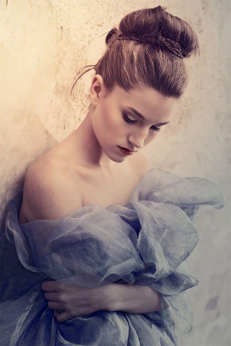 Ice Queen /  Photo: Bence Juhász   Model: Regina Káró    Hair: Krisztina Muhari    Make-up: Eszter Galambos