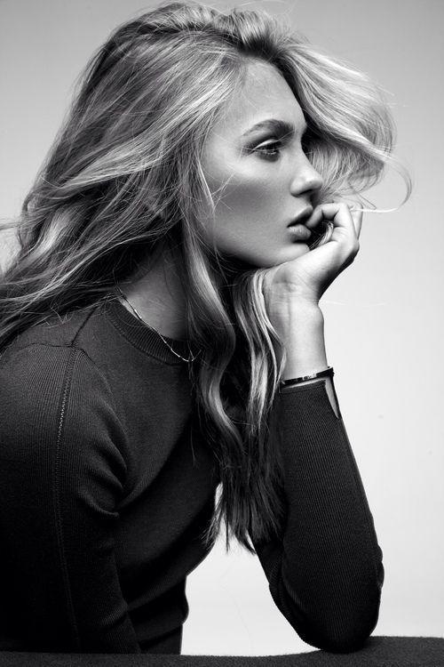 longs kinds de femmes: cheveux défait sans effort