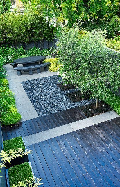 Jet black garden   Overview of jet black contemporary town garden in London   Charlotte Rowe Garden Design