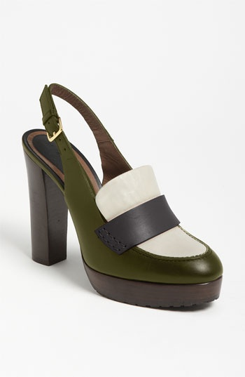 marni oxford pump.  can't handle not having these.Accessories Overload, Oxfords Pump, Foot Fetish, Happy Feet, Colorblock Perfect, La Fashionista, Fashion Inspiration, Shoes Sandals, Marni Oxfords