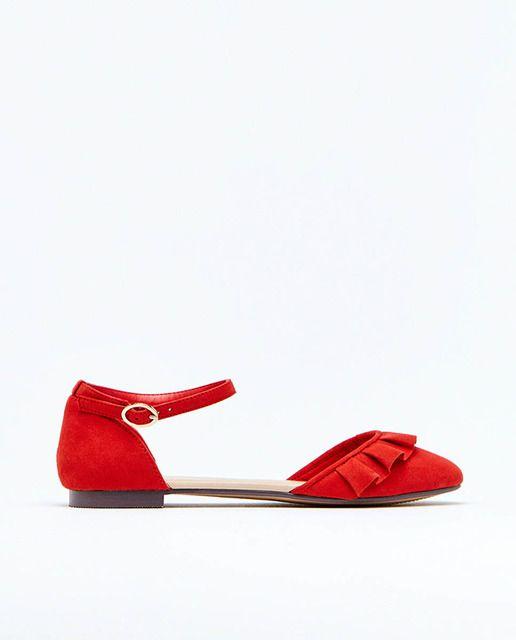 30b815dab72 EL CORTE INGLÉS - SFERA | Zapatos planos de mujer Sfera de color rojo con  adorno