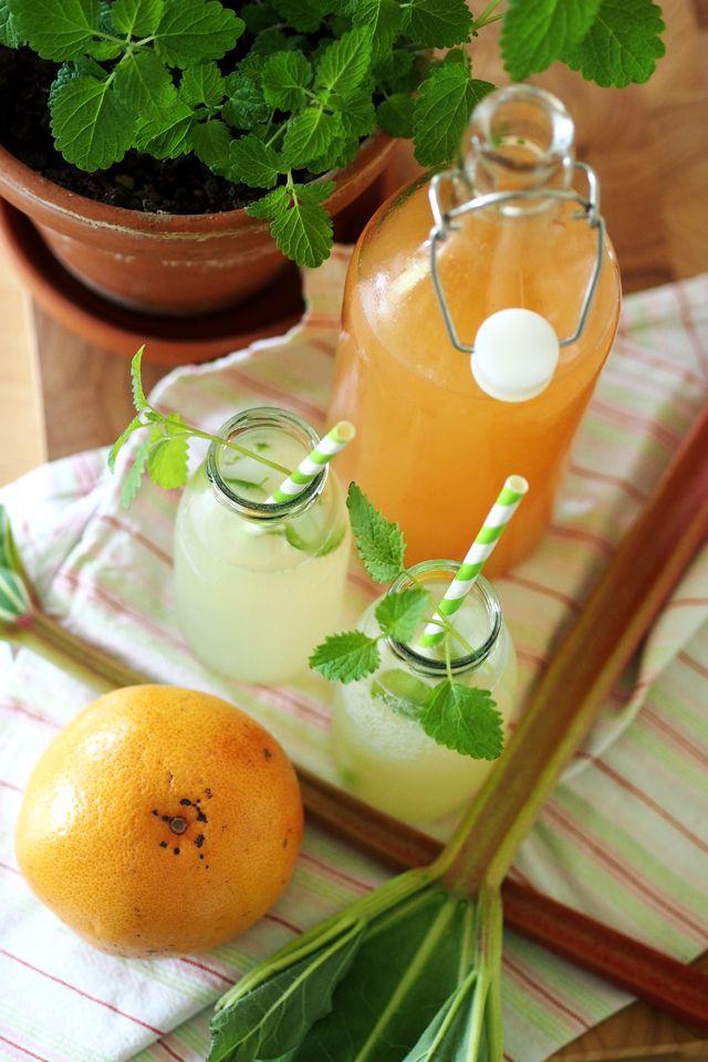 Hausgemachte Rhabarber-Grapefruit-Limonade - Fee ist mein Name // Homemade rhubarb grapefruit lemonade