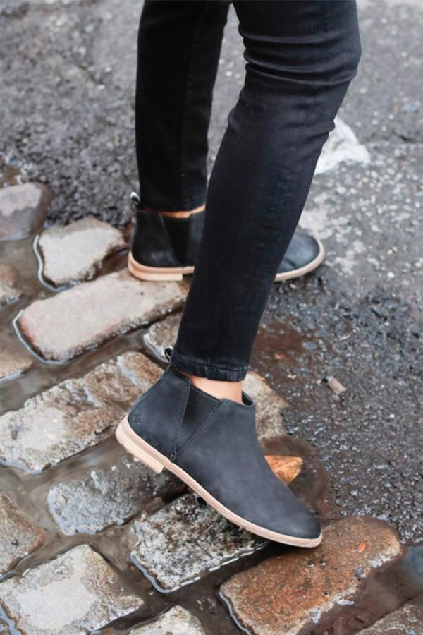 8f9d65163a3  waityouneedthis  SperryMyWay Style blogger Janelle Lloyd proves the Seaport  Daley Chelsea is perfect for any fall outfit. If you love …