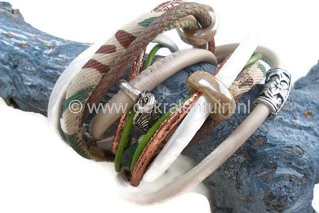 Prachtige wikkelarmband in camouflage-kleuren!