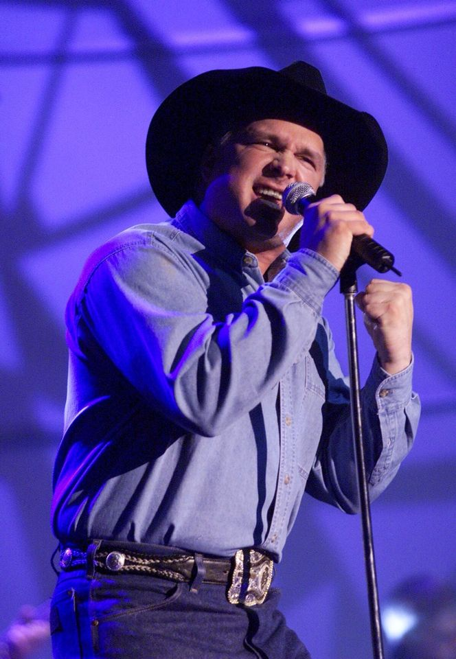 235 best garth brooks images on pinterest country for Garth brooks trisha yearwood songs