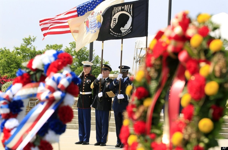 Memorial Day 2012: Americans Across Country Honor Troops (PHOTOS)