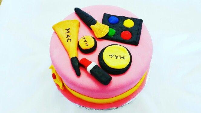 Make Up cake DIY