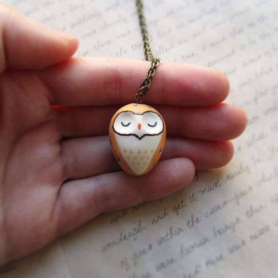 Really awesome Etsy listing at https://www.etsy.com/pt/listing/258450430/owl-necklace-bird-pendant-cute-barn-owl