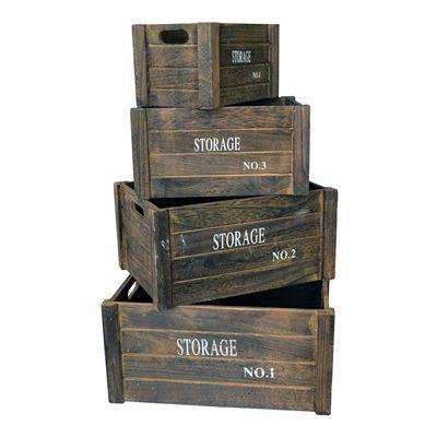 Cassette in legno scuro, contenitori stile rustico e vintage con scritte decorative industrial. Alleati per lo storage e l'interior design, un'ispirazione continua per l'arredamento della tua casa. We love wood boxes!