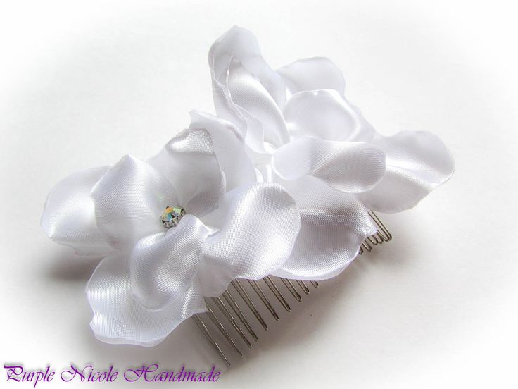 Eowyn - Handmade Bridal Hair Comb by Purple Nicole (Nicole Cea Mov). Materials: satin, rhinestones, silvery comb.