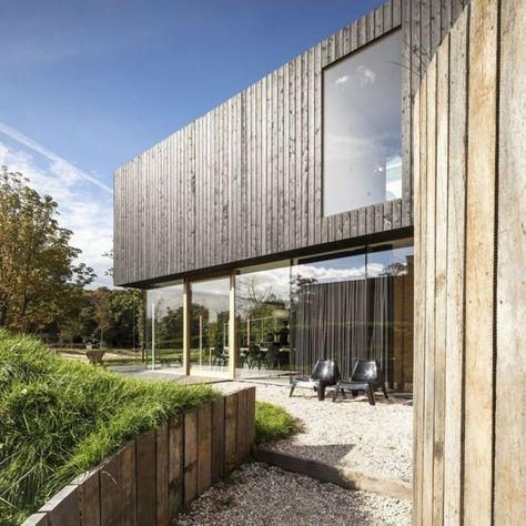 Holz Fassade Glas Wand Vorhänge Kieselsteine