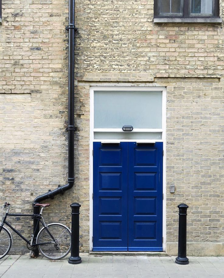 Door ||| #photography #canon #shop #model #modelswanted #door #streetphotographers #adventure #cambridge #hbouthere #hsdailyfeature #love #architecture #city #buildings #urban #design #cities #street #art #abstract #lines #minimalism #snapseed #vsco #vscocam #photooftheday #picoftheday