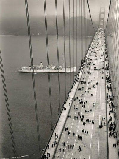 The Golden Gate Bridge on pedestrian day (May 27, 1937) • photo: Charles M. Hiller / © Golden Gate Bridge, Highway and Transportation District