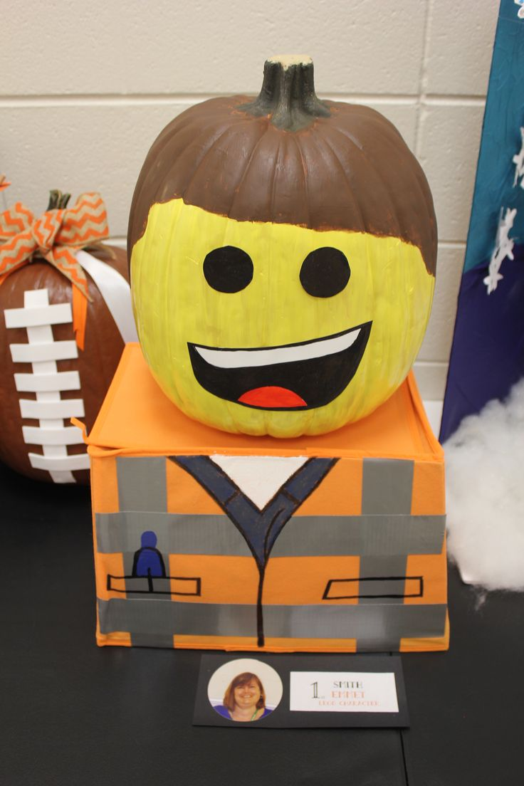 Great Pumpkin idea for Lego lovers from http://sarahjanenelson.com/emmet-pumpkin-inspired-by-the-lego-movie