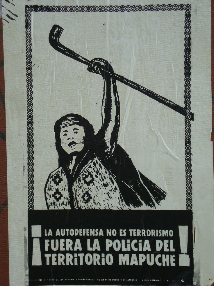 Fuera la policía del territorio mapuche. Santiago de Chile, Romería al Cementerio General, 8 de sept. de 2013. A 40 años del golpe.