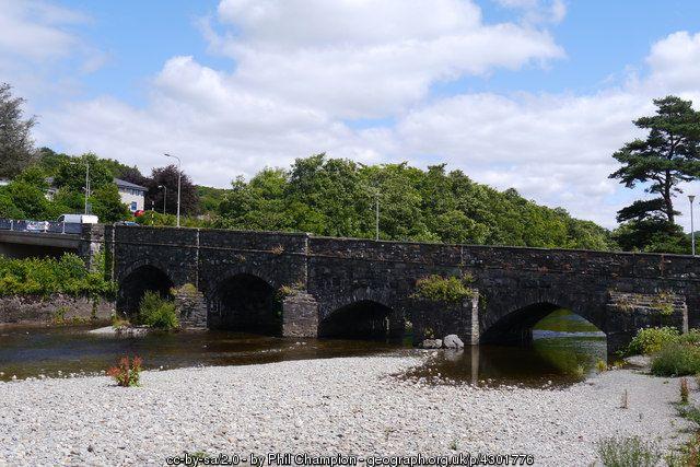 Y Bont Fawr, Dolgellau (C) Phil Champion :: Geograph Britain and Ireland