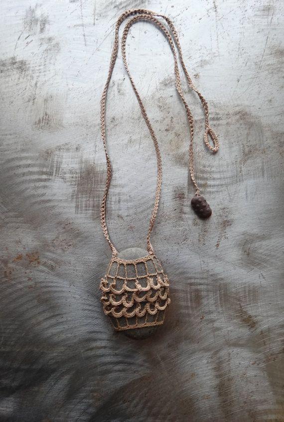 17 mejores ideas sobre collares hechos a mano en pinterest - Para colgar collares ...