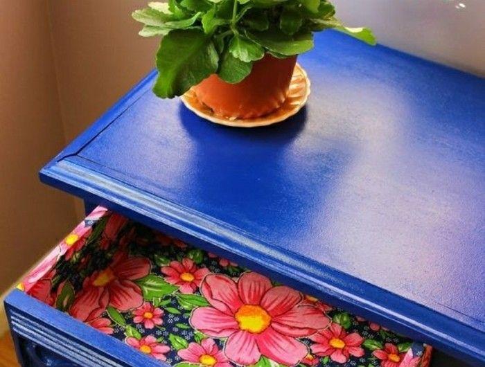 Alte Schränke Restaurieren Blauer Schrank Blumentopf Blumen Schublade
