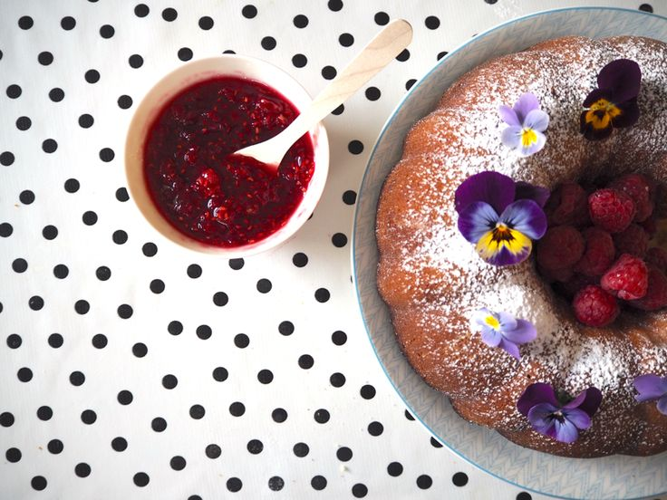 Recipe: Strawberry cider pound cake with raspberry and wild berry cider jam | Oyster and Pearl | UK/Bristol lifestyle, travel, interiors, food blog
