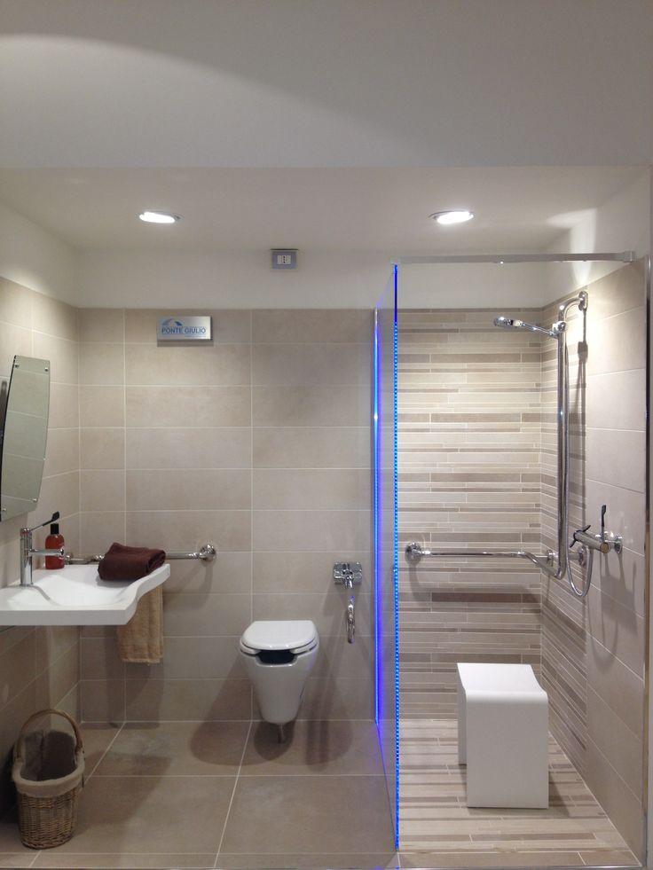 Oltre 25 fantastiche idee su bagno per disabili su - Arredo bagno per disabili ...