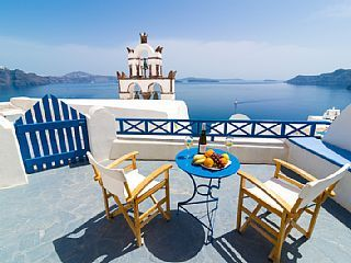 SECLUDED HIDEAWAY IN THE HEART OF OIA! ENJOY 'BLUE & WHITE CAVE HOUSE' ! As you gaze at the deep blue waters of the Caldera you feel the calm breeze touch your heart and soul in a unique way. You certainly get a bird's eye ...