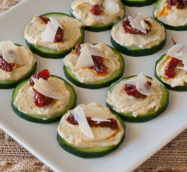 Hummus and Sun-Dried Tomato bites. A light appetizer for your Oscars viewing party!