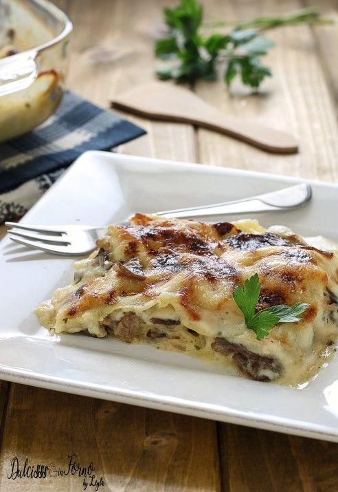 Lasagne bianche ai funghi e salsiccia ricetta con funghi champignon Dulcisss in forno by Leyla