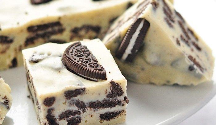 Vynikající sladká pochoutka s Oreo sušenkami. Budeme potřebovat salko, bílou čokoládu, Oreo sušenky, ...