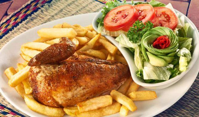 El Pollo A La Brasa Constituye Uno De Los Platos Típicos De La Gastronomía Peruana Foto Intipal Pollo A La Brasa Receta Pollo A La Brasa Como Preparar Pollo