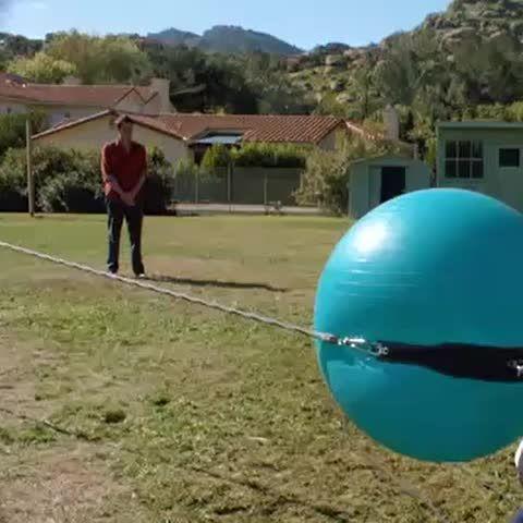 Jakass Egzersiz Topu Mancınığı, #Crazy #Jackass #Exercise #Ball #Slingshot #fun #funny #funnyvine #funnyvines #funnyshit #funnyfaces